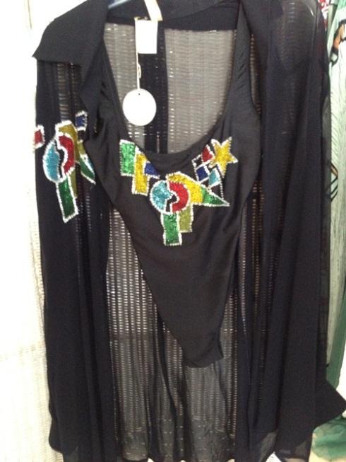 אחד הדגמים שלא נכנסו לתערוכה: נרקם בעבודת יד אצל הרוקם של ורסאצ'ה