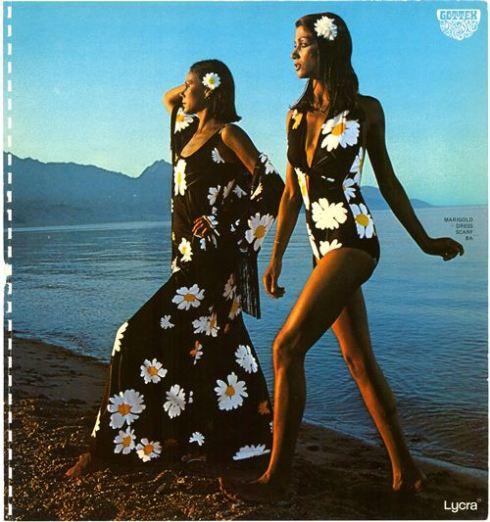 חרציות על בגד ים וחוף1975, צילום בן לם