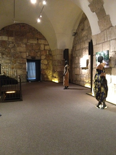 מבט לתערוכה באולם הצלבנים