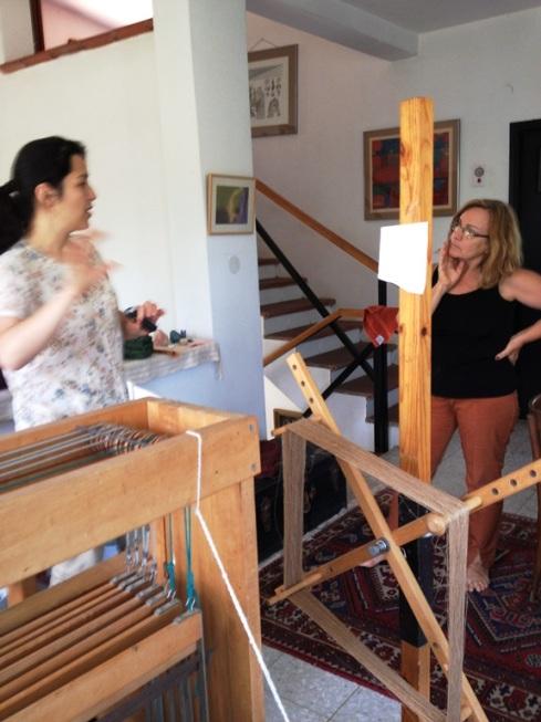 זיוה ודיאנה בסטודיו של זיוה במושב מגשימים