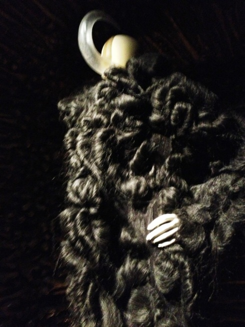 מעיל פרווה משיער ראש של אישה